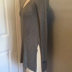 Tops - The group babaton top size S